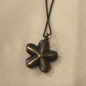 Juicy Couture Jewelry - Juicy Couture Flower Necklace